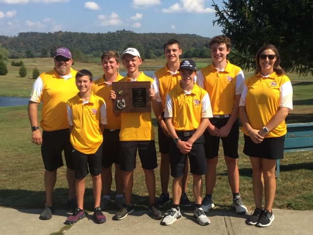 The+SMHS+golf+team+poses+with+their+championship+plaque